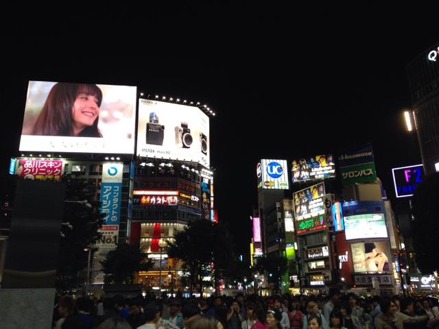 渋谷駅前スクランブル交差点の液晶ビジョン