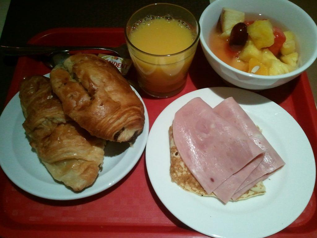 Paris ホテルの朝食