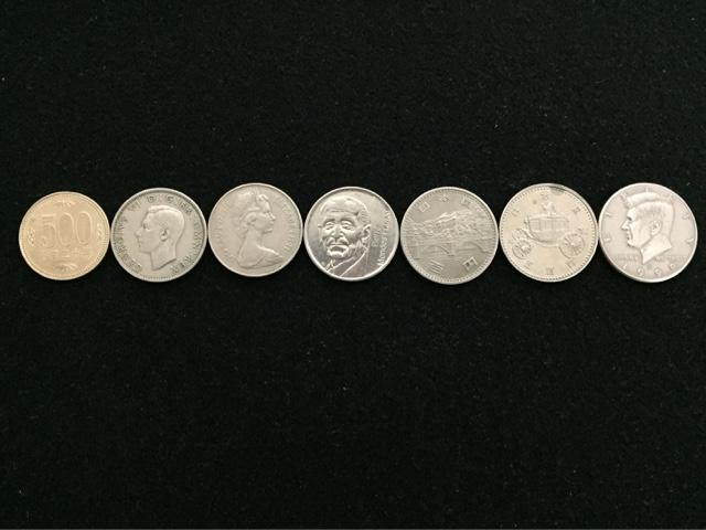 500円玉よりも少し大きめのコイン