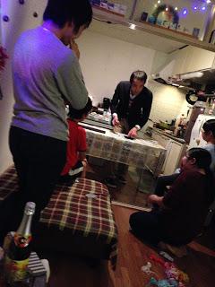 ホームパーティーでカップ・アンド・ボール / マジシャンえいち
