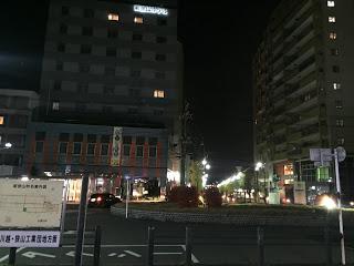 西武新宿線新狭山駅前 / マジシャンひろしつちや