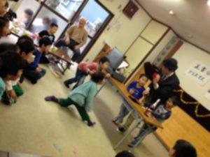 習字教室のクリスマス会にマジシャン出張 派遣 in 東京都府中市分倍河原