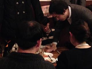 トムズキッチン千石店でカードマジック
