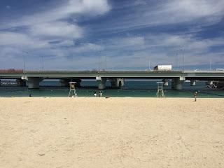 沖縄那覇のビーチ