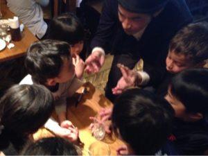 コインマジック 日本を去るご家族の送別会にマジシャンの子供向けマジックショー in ゼスト キャンティーナ 西麻布 港区