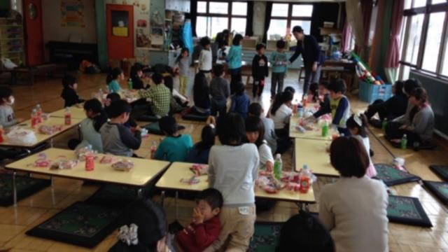 子供会の進級お祝い会でマジシャンの子供向けマジックショー