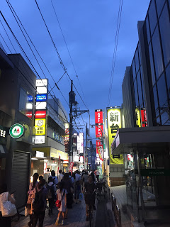 仙川駅東側の商店街
