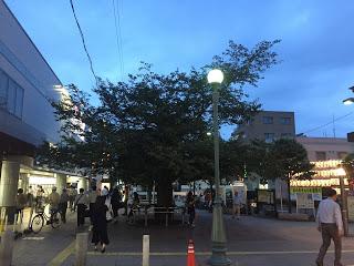 仙川駅前広場