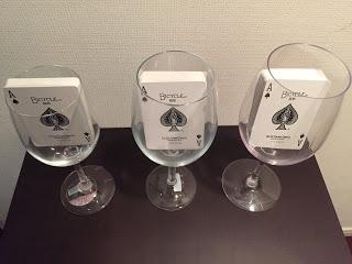 ダイソーで買ったワイングラス2種類と東急ハンズでかった割れないグラス