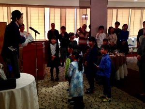 子供参加の企業の親睦会のイベントでマジシャンのマジックショー