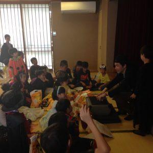 英語教室のハロウィーンパーティーにマジシャン出張 派遣 2回目 in 世田谷区九品仏