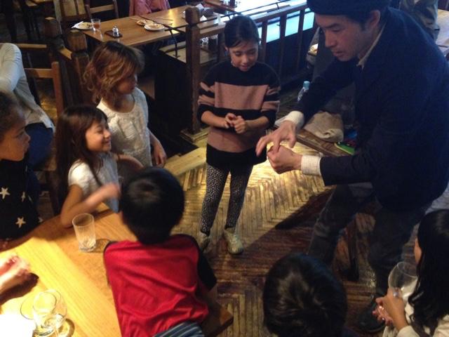 日本を去るご家族の送別会に出張 派遣マジックショー / farewell party magic