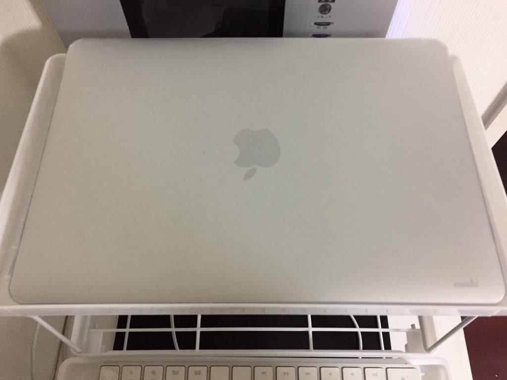 折りたたみキッチン整理棚をMacBookの台にする