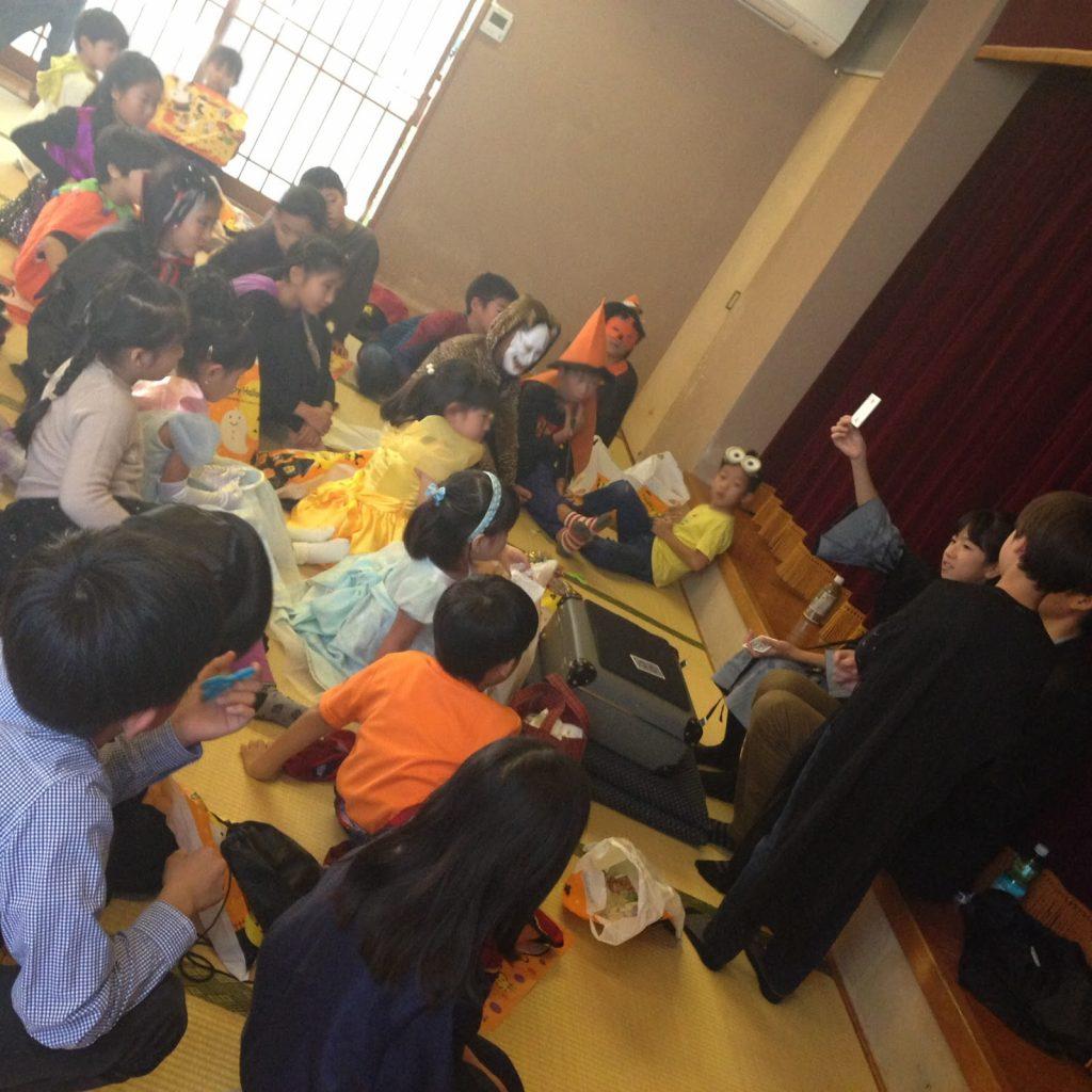 子供のハロウィーンイベントでマジシャン 出張 派遣