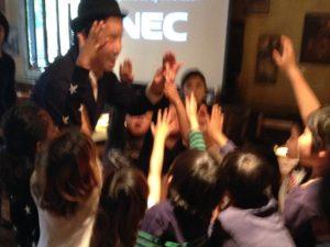 日本を去るご家族の送別会に出張 派遣マジックショー in ゼスト キャンティーナ 西麻布 港区