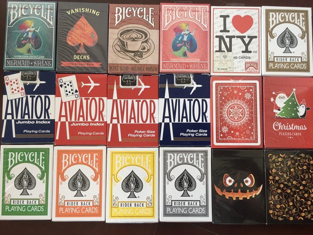 色々な種類のトランプカード