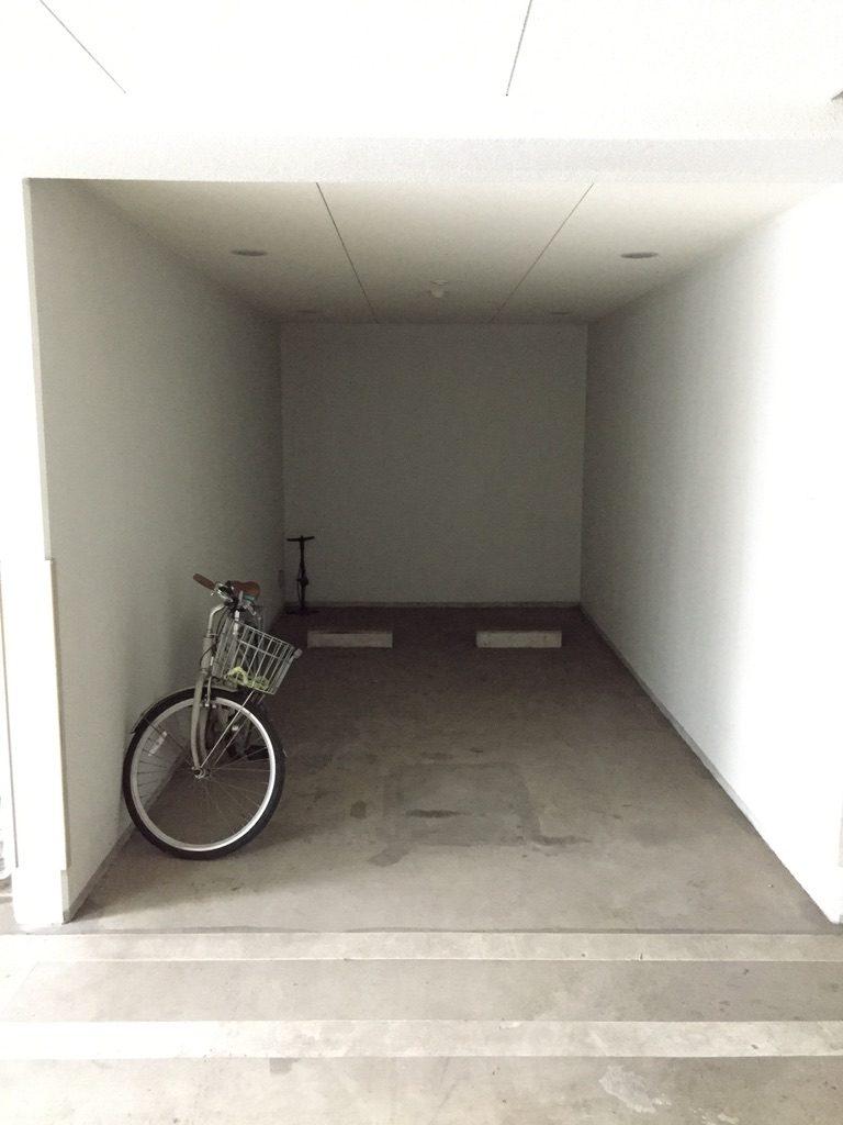 自転車置き場になっている駐車場