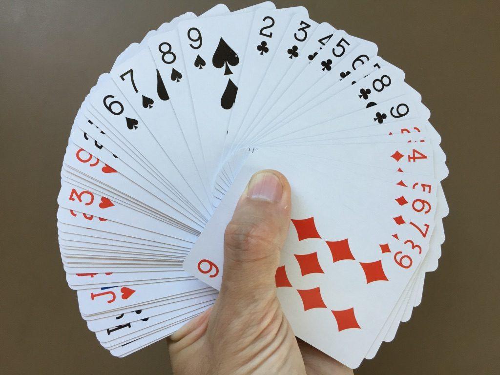 キャンドゥ(Can★Do)の紙製トランプカード ファン