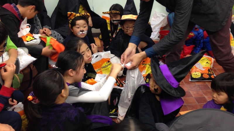 Magic show at Halloween party
