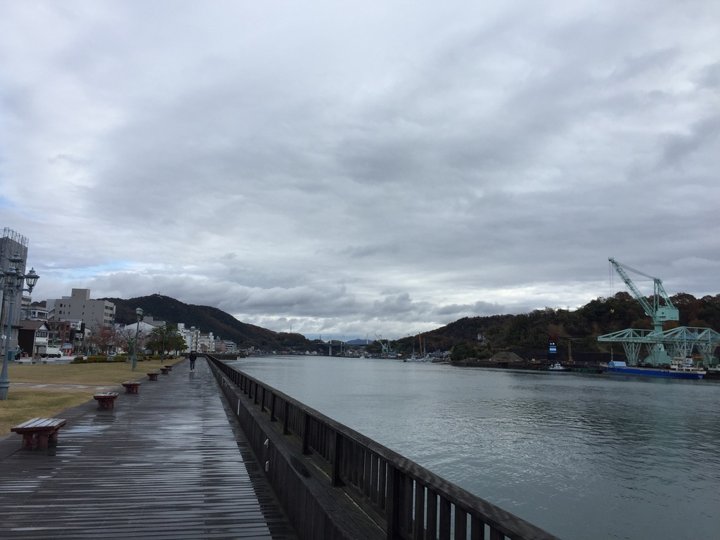 尾道の海側の遊歩道