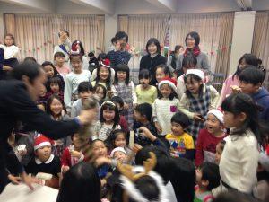 子ども会のクリスマス会でマジシャン出張 ロッキーラクーン