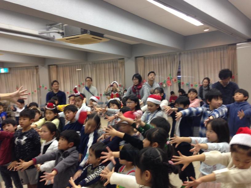 子ども会のクリスマス会でマジシャン派遣 体マジック