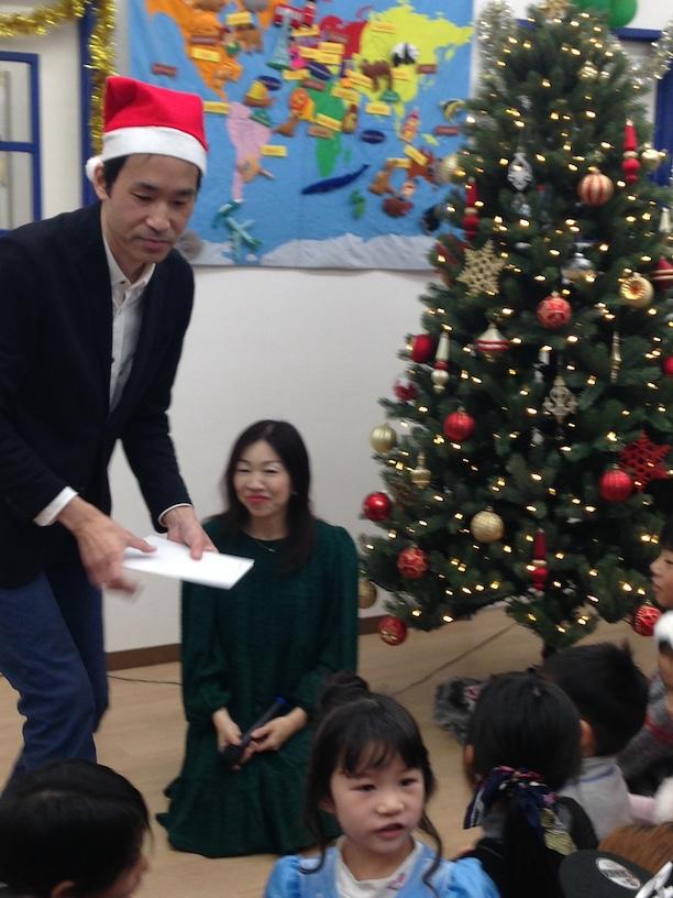 イングリッシュスクールイマジンJAPAN南行徳児童園のクリスマスパーティー クリスマスツリー