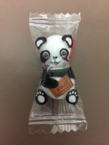 子どもたちからもらったパンダのチョコ 9歳になる娘さんのお誕生日会でサプライズの出張マジックショー