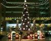 新宿のNSビル内のクリスマスツリー
