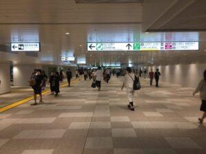 新宿駅の新しい東西自由通路 東口側から撮影 2