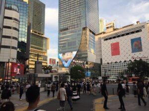 渋谷センター街側から撮影した渋谷駅前交差点