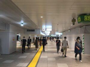 新宿駅の新しい東西自由通路 東口側から撮影 1