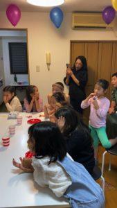 親御さんもびっくりです 8歳の娘さんのお誕生会でマジシャンの出張/派遣マジックショー 東京都港区