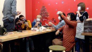 偽札でないか透かしを確認 Asobiba Nogawa cafe部 にマジシャンデリバリーサービス 神奈川県川崎市宮前区