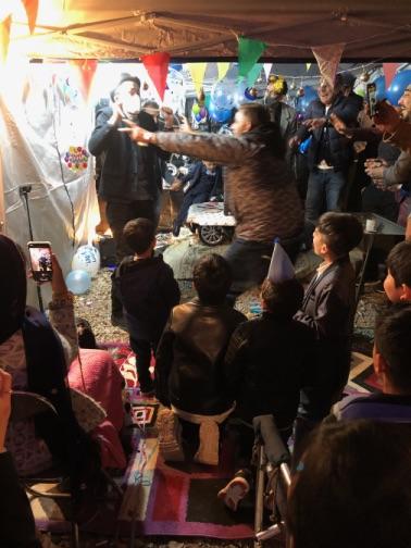 死なないで 4歳のお誕生日国際屋外パーティーにマジシャンのマジックショー 埼玉県狭山市
