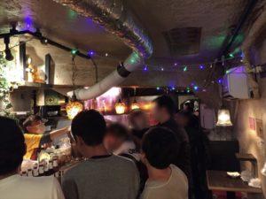 盛り上がる店内 配達員の方の忘年会にマジシャンデリバリー 東京都渋谷区道玄坂