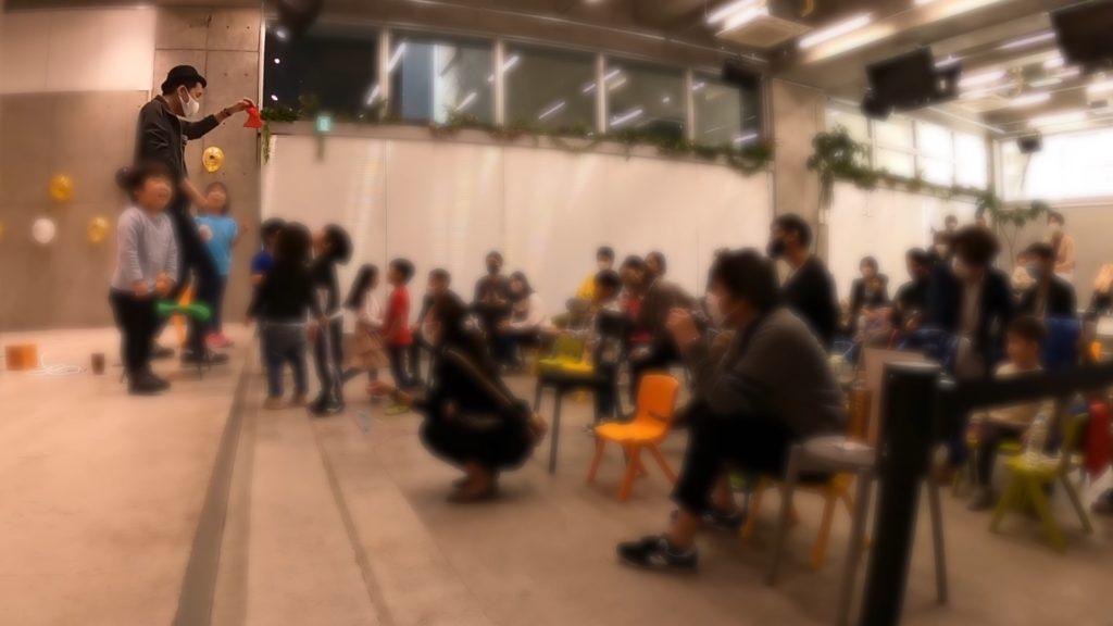 驚く子供たち TJ International school Graduation party event マジシャンの出張/派遣マジックショー
