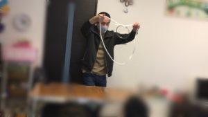 リングとロープがつながる 卒園入学お祝いホームパーティーでマジシャンの出張/派遣マジックショー 神奈川県茅ヶ崎市