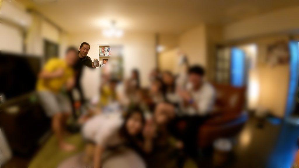 深夜の誕生日パーティーでマジシャンの出張派遣サプライズ絶叫マジックショー in 東京都港区