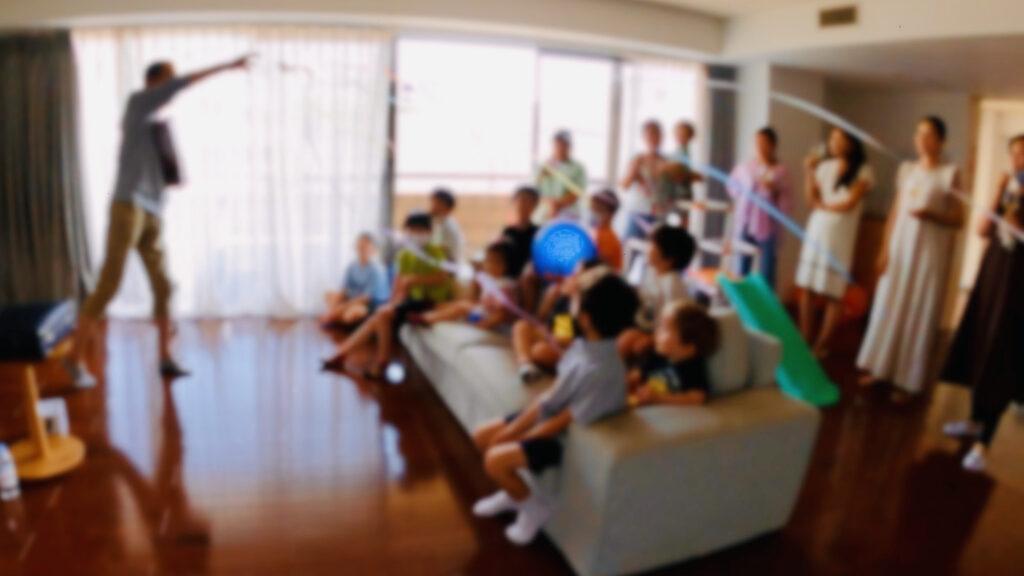 投げテープ 6歳の男の子のバースデーパーティーに出張マジシャンマジックショー 港区東京都