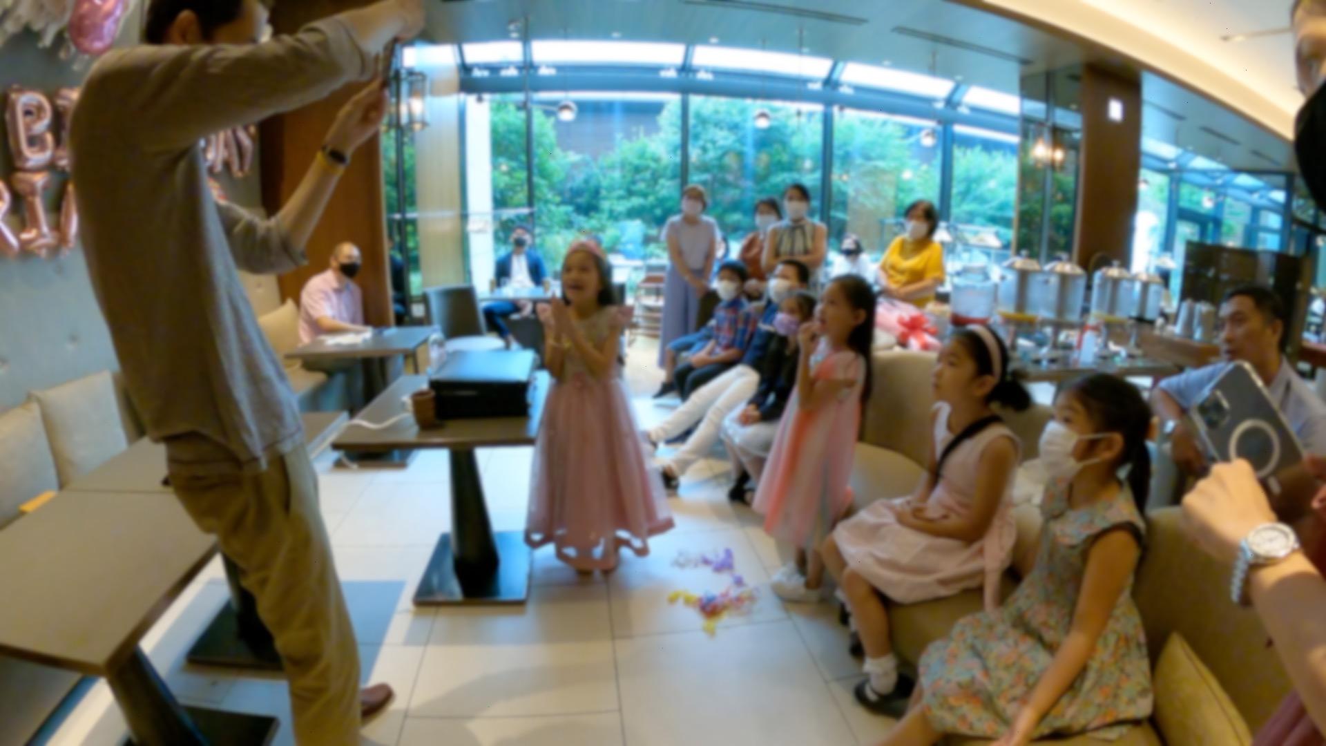 袋が閉じた! 7歳の女の子のバースデーパーティーに出張マジシャンマジックショー 千代田区東京都