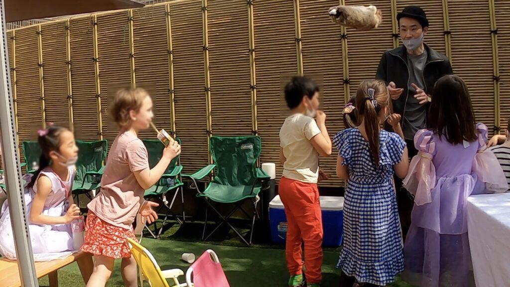 空を飛ぶロッキー 7thバースデーパーティーに出張マジシャンマジックショー東京都渋谷区